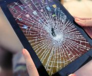 Что делать, если разбился дисплей планшета